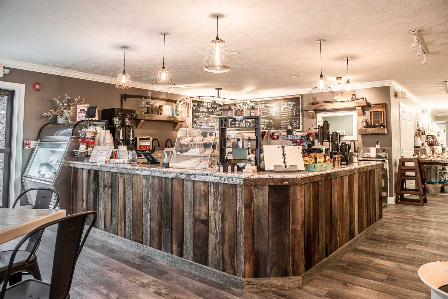 panini sandwiches, salads, soups, and bakery   farmhouse cafe