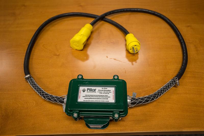 In-line Circuit Breaker Image