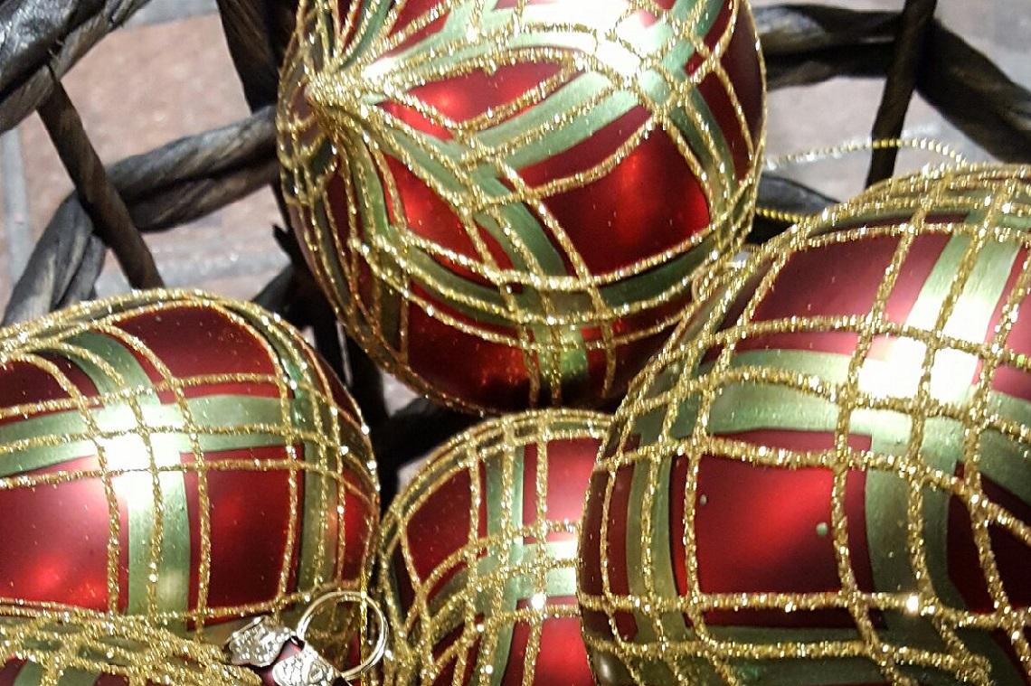 Holiday Decor - Image